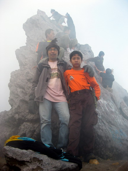 Puncak Garuda, gunung Merapi (2.965 mdpl) - 1 Januai 2009